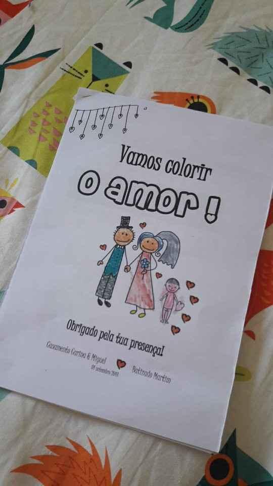 Livrinho crianças - feito por mim (já meio pintado eheh )