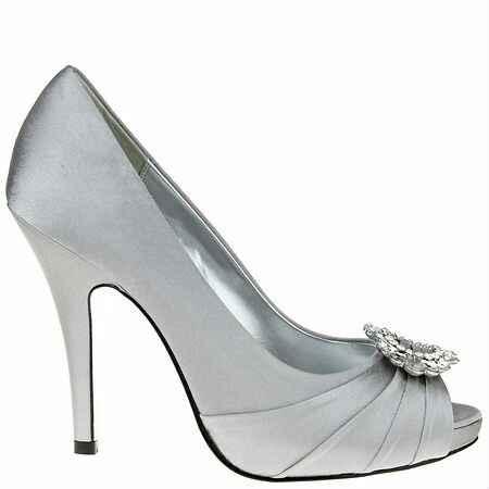 Escolhe os sapatos para este vestido! - 1
