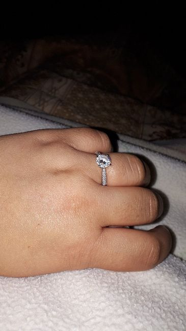 Bora partilhar o nosso anel de noivado? 💍😍 11