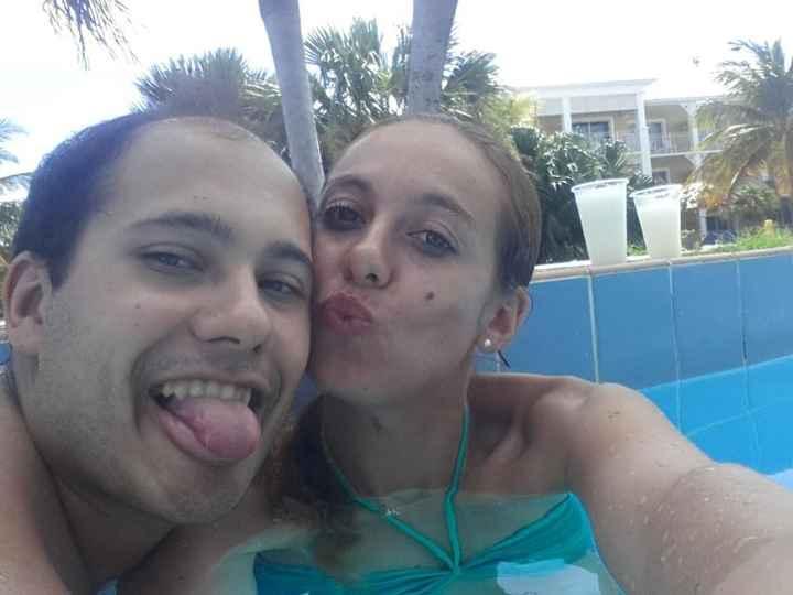 nos dois na piscinas