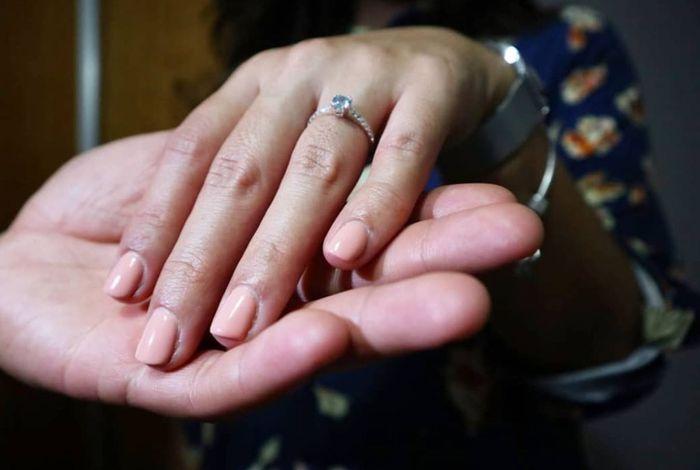 Boa noite :) Adorava ver os vossos anéis de noivado :) Quem quer partilhar? 12