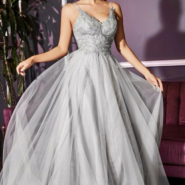 o arco-íris 🌈 invade a comunidade com inspirações (cinzentas) para vestido de noiva 🤍 3