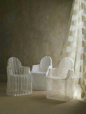 Cadeiras acrílico: tapar ou exibir? - 3