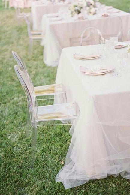 Cadeiras acrílico: tapar ou exibir? - 9