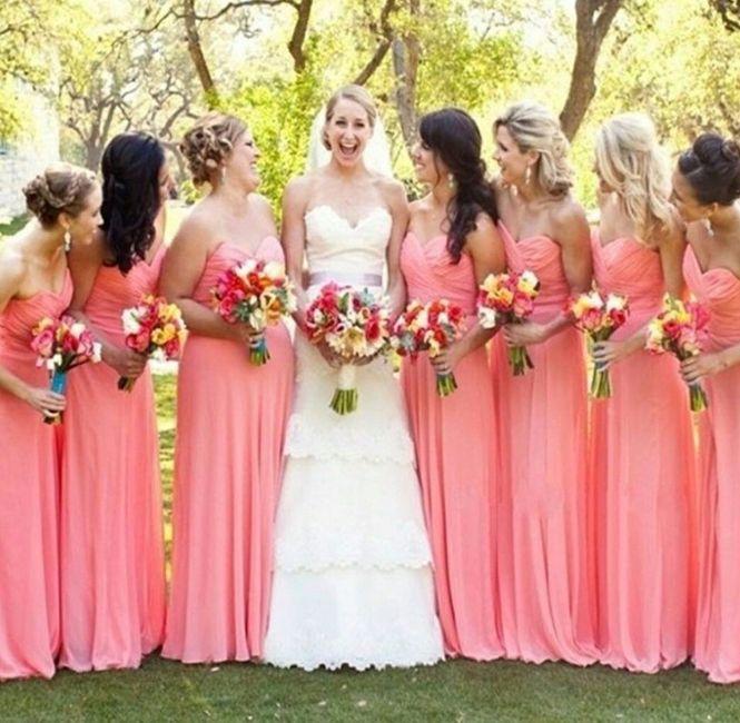 damas com vestido e cor igual