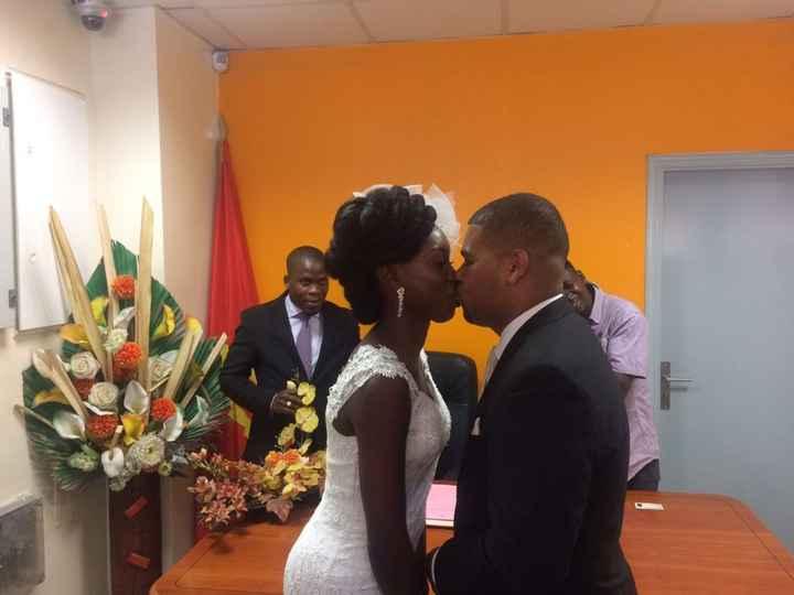 O primeiro beijo como casados! Envergonhados