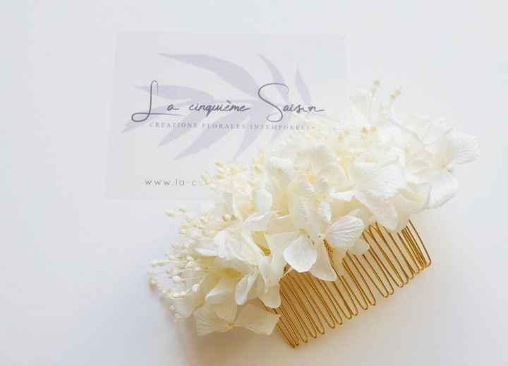 Acessório de cabelo com flores estabilizadas - 1