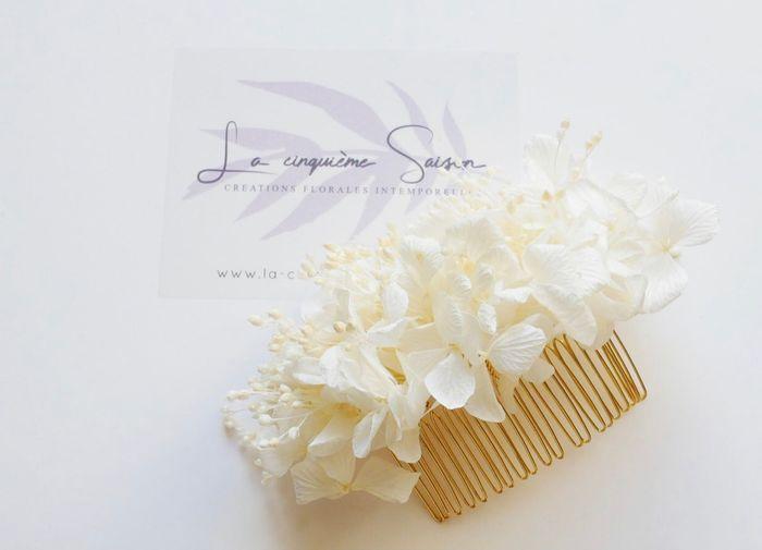 Acessório de cabelo com flores estabilizadas 1
