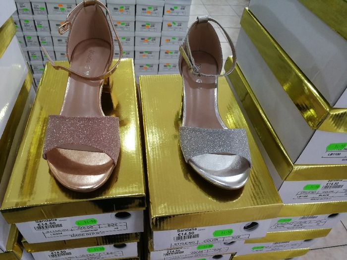 Sapatos low cost 1