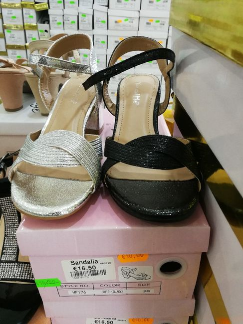 Sapatos low cost 2