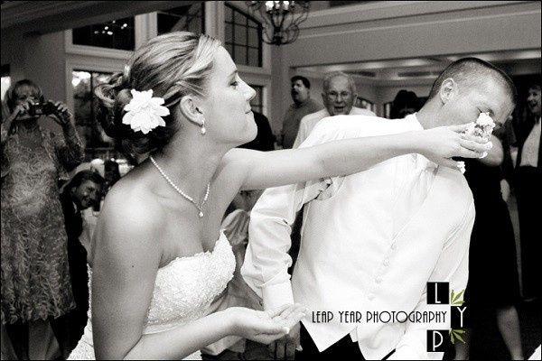Smash the wedding cake 👍🏻 👎🏻 2