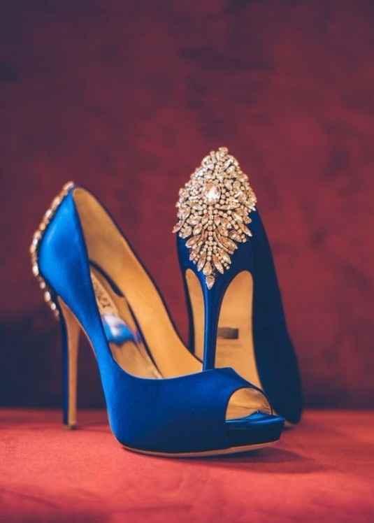 Os sapatos (mas noutra cor)
