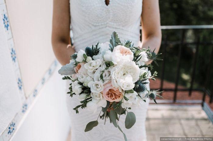 Este bouquet... PROIBIDO no meu dia C! 💐 1