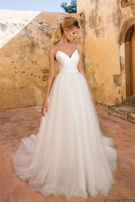 Vestidos para noivas minimalistas: qual destes modelos usarias? 2