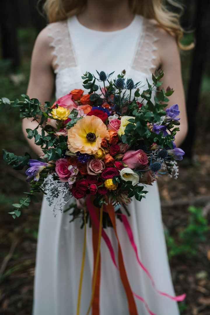o Arco-íris invade a Comunidade: 3 Inspirações para Ramos de Noiva 🌈 - 2