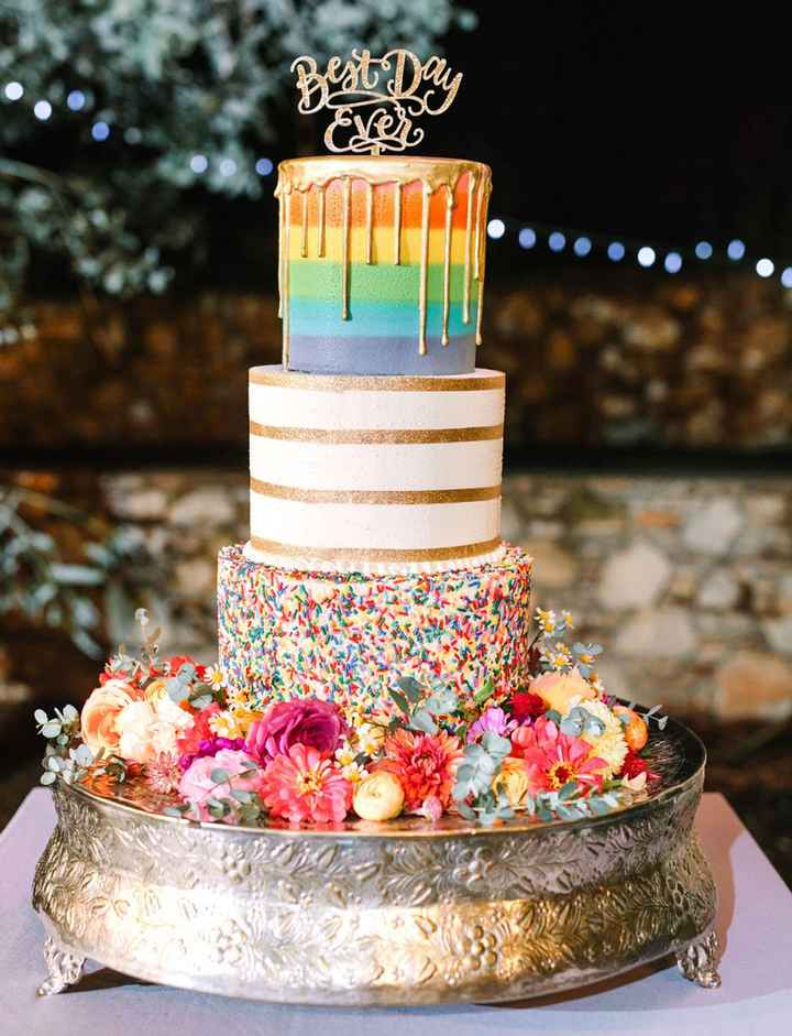 o Arco-íris invade a Comunidade: 3 Inspirações para Bolos de Casamento 🌈 - 2