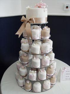 Mini bolos de noiva - 9