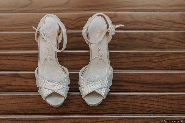 Escolhe uns SAPATOS para este vestido! 👗 3
