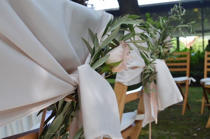 Cadeira dos noivos: cartaz ou laços? 2