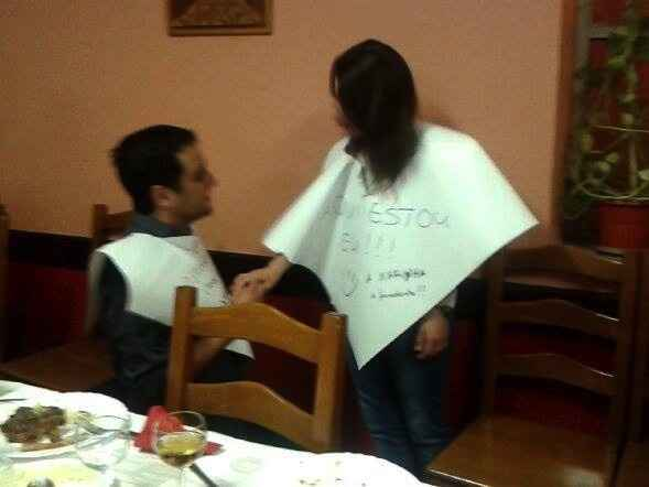 o pedido de casamento com os amigos!