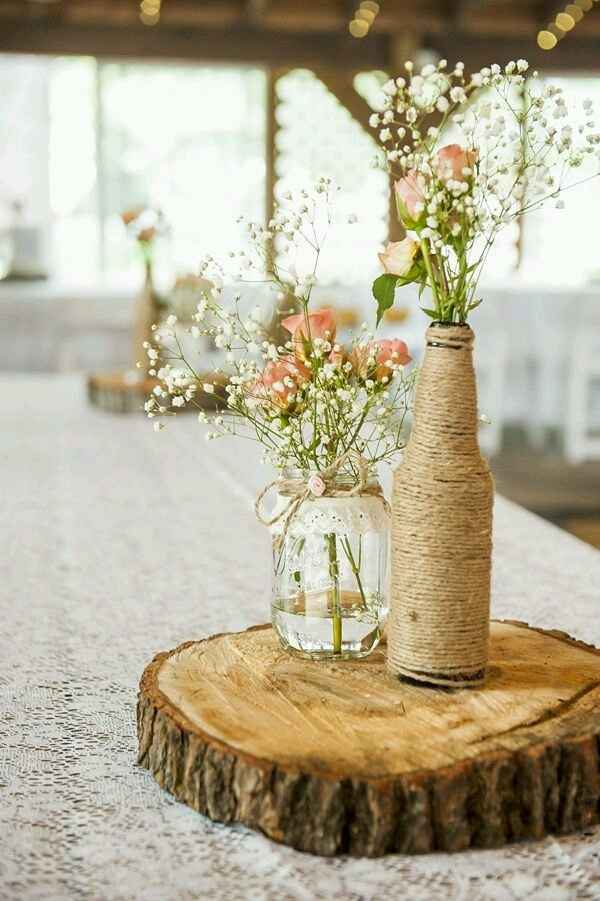 Centros de mesa com base em tronco de madeira. - 11