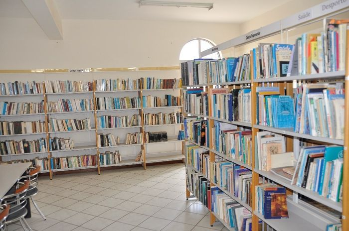 Visita á biblioteca