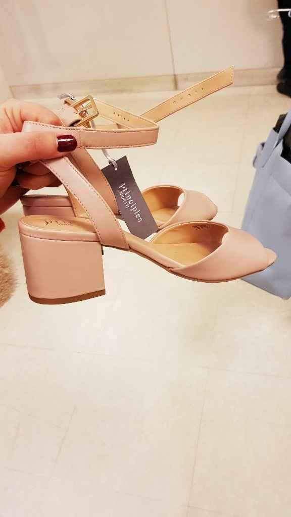 Sapatos (serão os tais?) - 1
