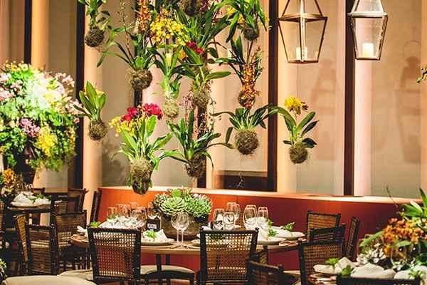 um centro de mesa para um casamento vegetal...
