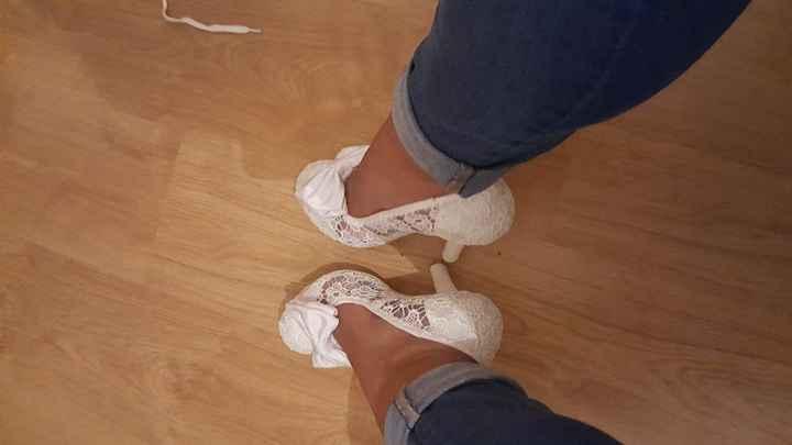Já tenho sapatos! Foi mais difícil do que pensei encontrar OS sapatos, ora porque não gostava, ou po