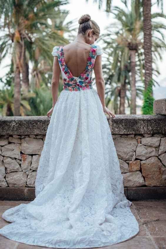 Detalhes coloridos no vestido de noiva? Sim, é possível 👰🏽 - 1