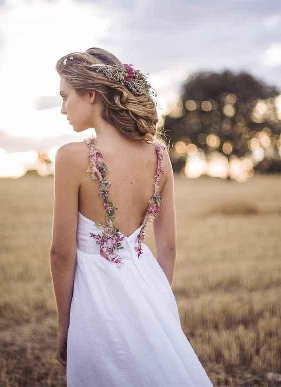Detalhes coloridos no vestido de noiva? Sim, é possível 👰🏽 - 3