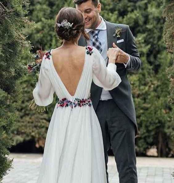 Detalhes coloridos no vestido de noiva? Sim, é possível 👰🏽 - 5