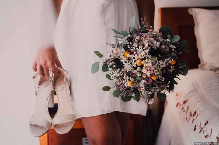 Darias o teu sim a este bouquet e a estas sandálias? 😁 - 1