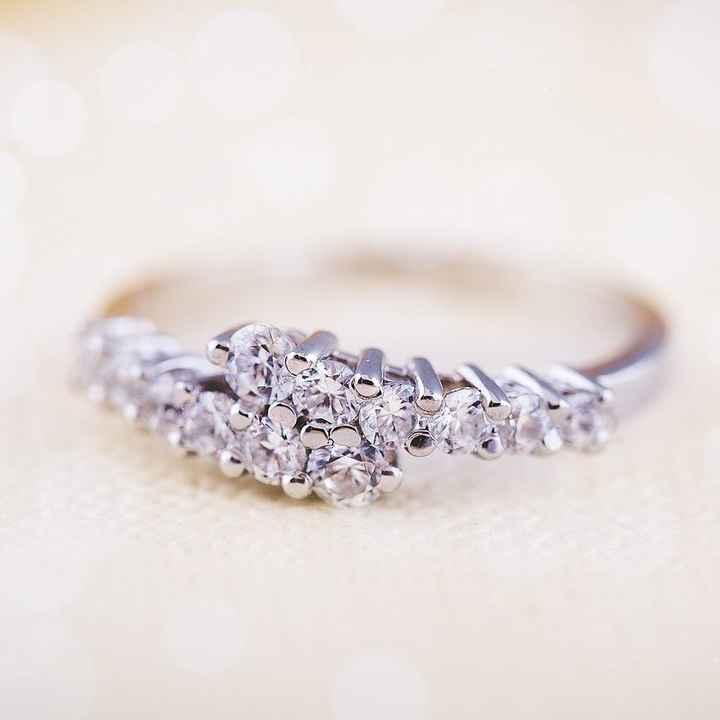 Como reagiste quando viste o anel de noivado por primeira vez? - 1