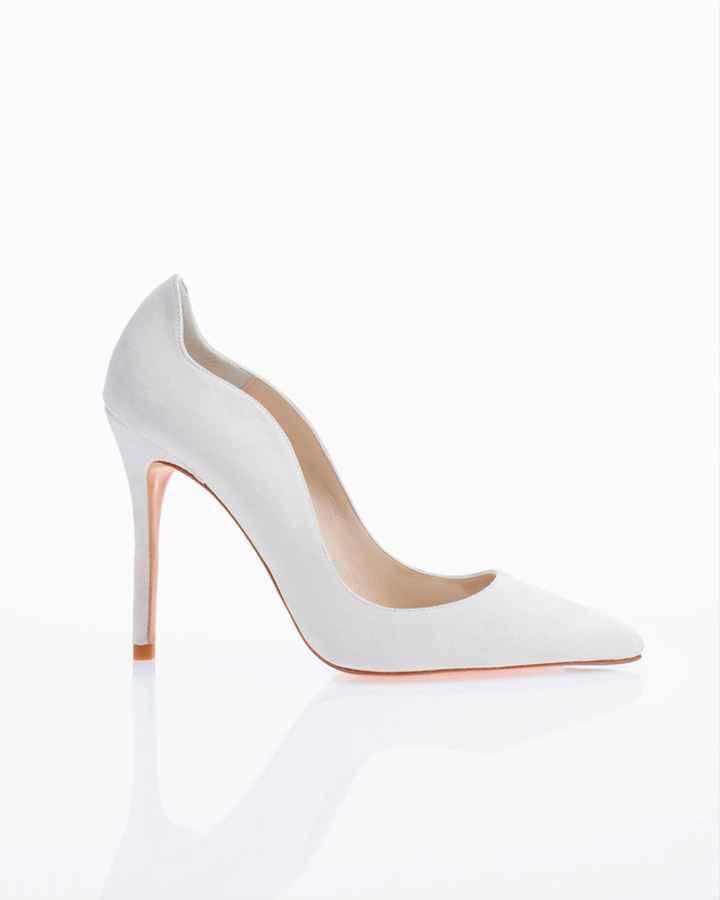 Branco ou com cor: os sapatos! - 1