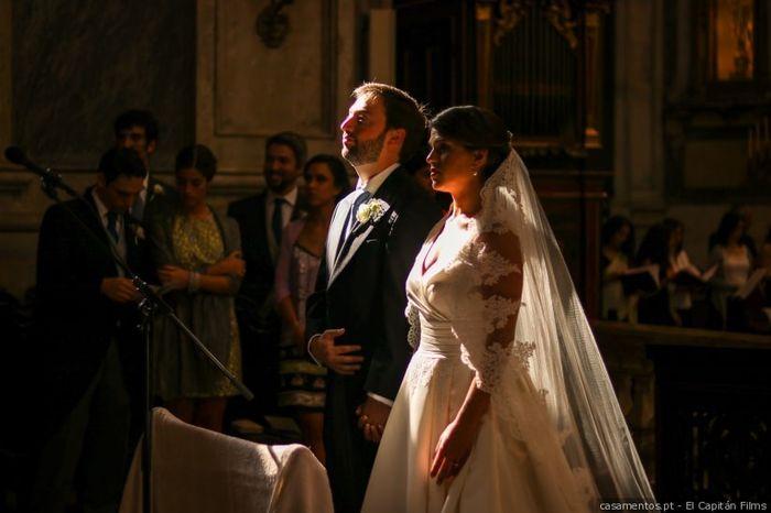 És uma noiva que casa apenas pelo civil ou também pela igreja? 1