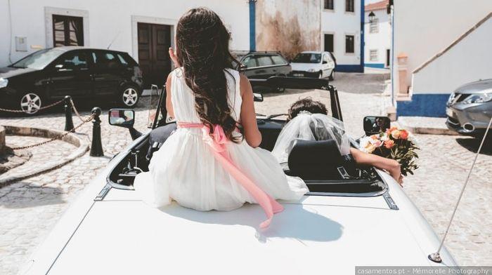 Quem vai contigo no carro para a cerimónia? 1