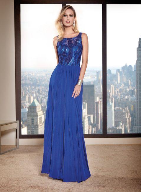 Que nota dás a esta convidada de azul? 1