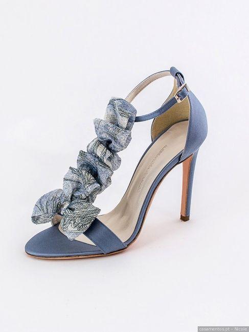 Estes sapatos... PROIBIDO no meu dia C! 2