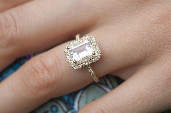 Bora partilhar o nosso anel de noivado? 💍😍 1