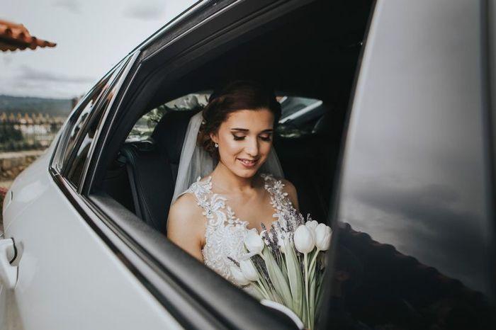 No caminho à igreja, vais sozinha ou acompanhada no carro nupcial? 1