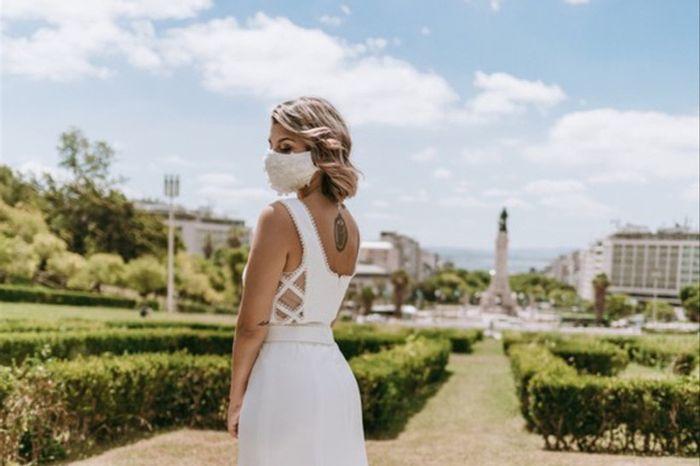 Comprei o meu vestido de noiva na __________ 1