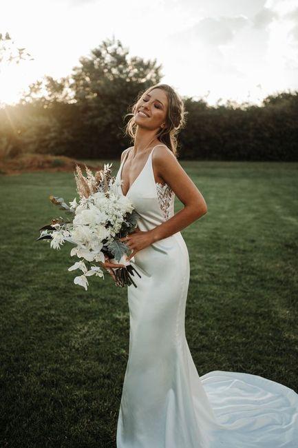 Aposta pelo minimalista: 5 inspirações para o look de noiva 👰🏽 4