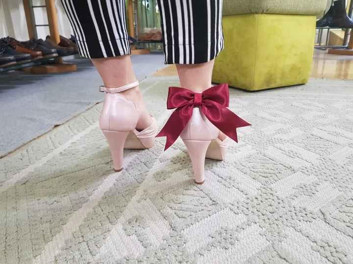 O meu primeiro calçado - traseira