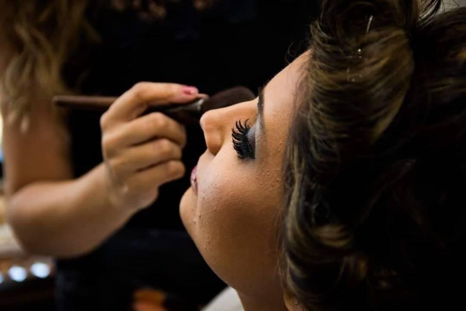 Aline Castro Makeup