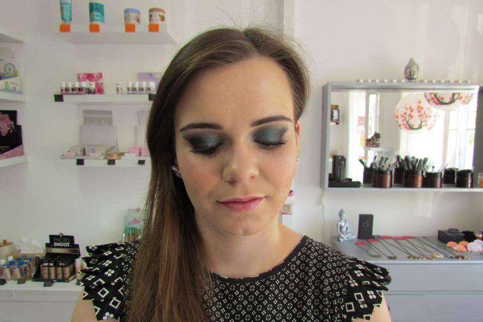 Sukidayo Store - Make Up Artist