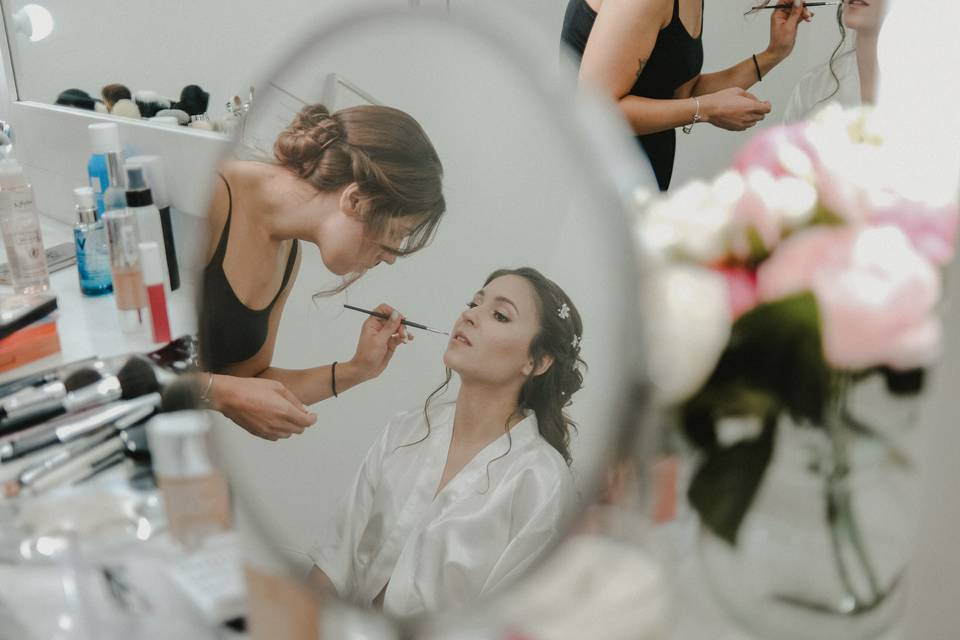 Ana Ribeiro Makeup and Beauty