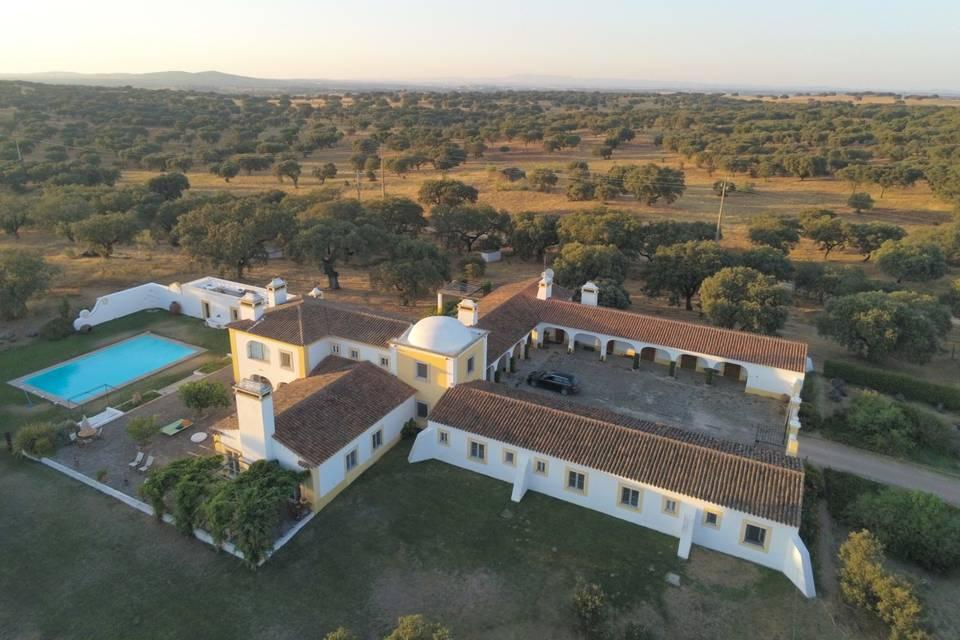 Rosa Estates Farmhouse & Stables