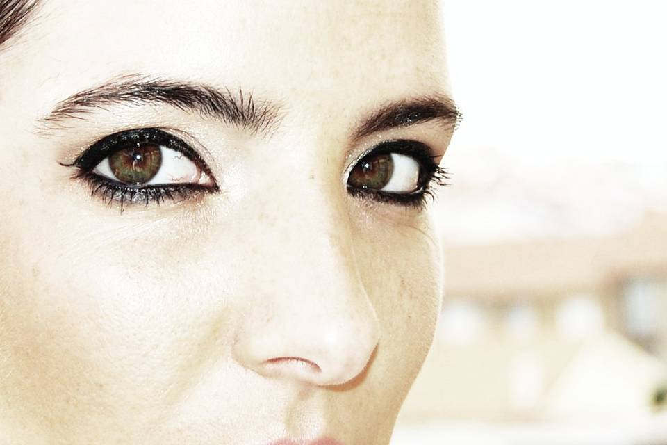 Make Up Artist Bruna Leite