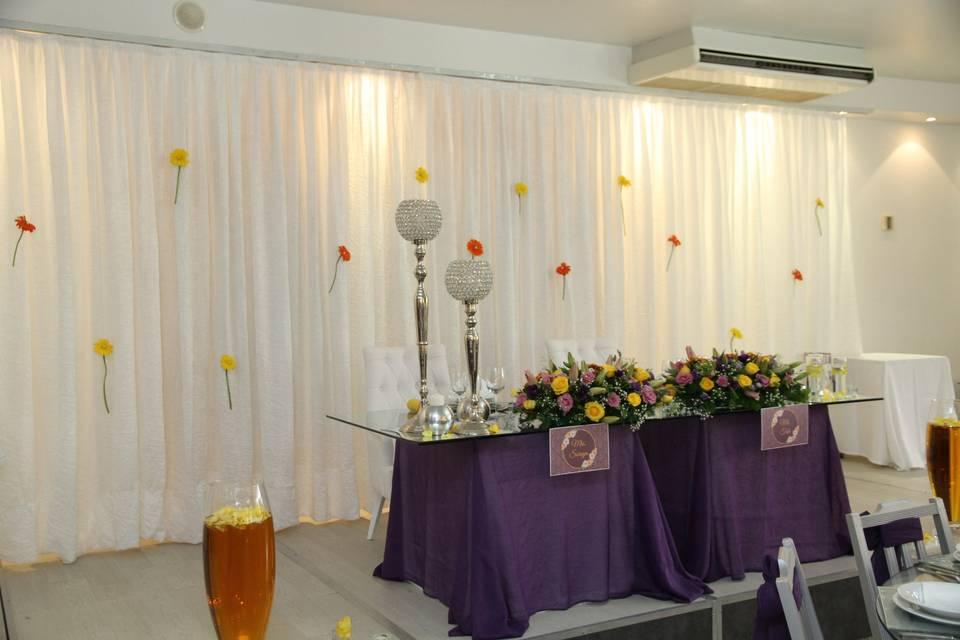Mesa noivos roxo